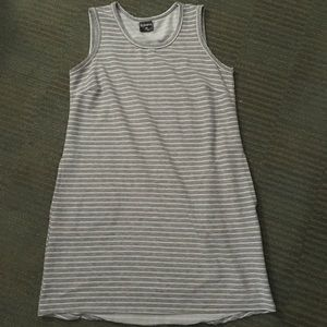 Cool sweater tank style dress with pockets! Nwot🌈